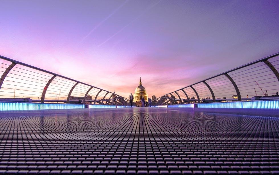 Spectacular light trails at night on London Bridge